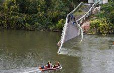 پل 1 226x145 - تصاویر/ ریزش مرگبار پل معلق در فرانسه