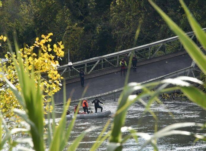 پل 2 - تصاویر/ ریزش مرگبار پل معلق در فرانسه