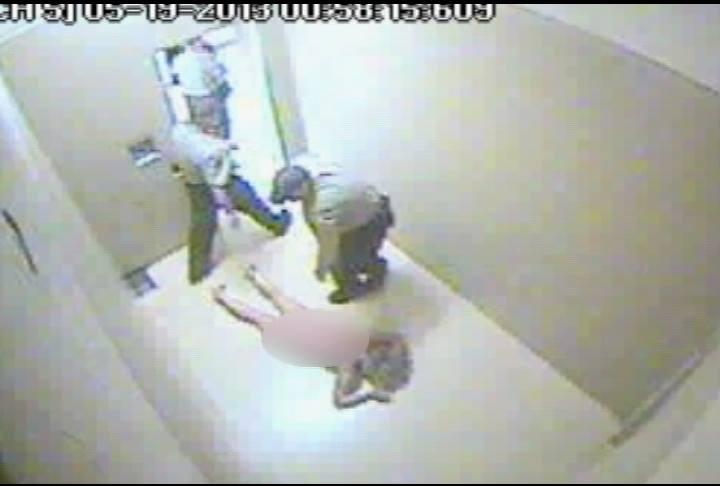 پولیس آسترالیا2 - آزار جنسی و برهنه کردن دختران نوجوان توسط پولیس آسترالیا + تصاویر