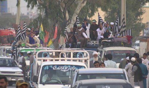 کاروان اعتراضی پاکستان - کاروان اعتراضی جمعیت علمای اسلام پاکستان به اسلامآباد رسید