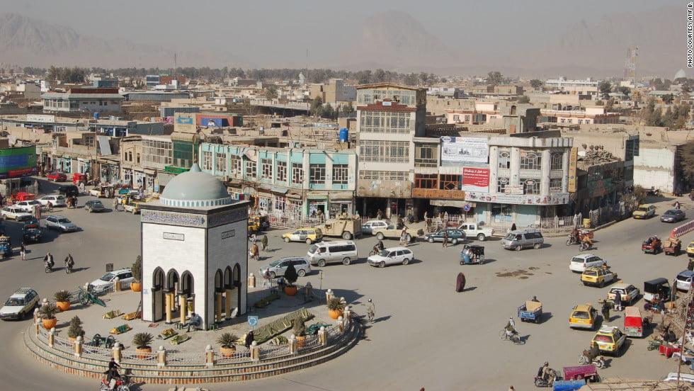کندهار - حمله انتحاری بالای یک پایگاه نظامی در کندهار
