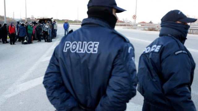 یونان پولیس - جلوگیری از ورود صدها مهاجر غیرقانونی از ترکیه به یونان