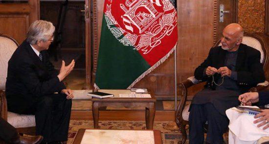 اشرف غنی تدامیچی یاماموتو 550x295 - حمایت سازمان ملل متحد از دسته انتخاباتی دولت ساز