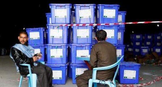انتخابات 550x295 - انتقاد بنیاد انتخابات شفاف افغانستان از کمیسیون مستقل انتخابات