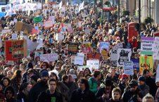 بریتانیا تظاهرات 226x145 - تظاهرات مردم بریتانیا علیه رییس جمهور ایالات متحده