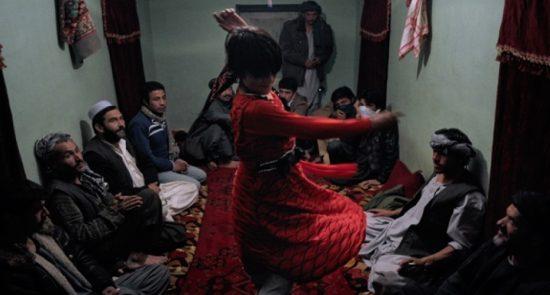 بچه بازی 550x295 - سوءاستفاده جنسی از اطفال در صفوف نیروهای امنیتی