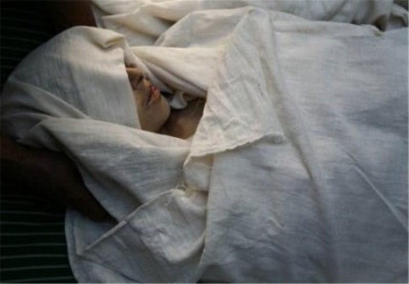 جسد - تجاوز جنسی مرد شیطان صفت هندی بالای جسد یک مادر و دختر