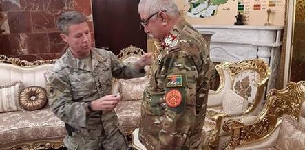 جنرال دوستم مدال2 - جنرال دوستم مدال گرفت