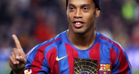 رونالدینیو 550x295 - بهترین بازیکن تمام تاریخ فوتبال از نظر رونالدینیو