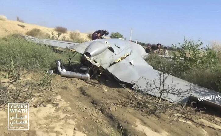 طیاره بی پیلوت سعودی 5 - تصاویر/ سقوط طیاره بی پیلوت سعودی