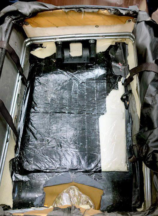 قاچاق 1 - تصاویر/ یک تبعه کشور امریکا در میدان هوایی کابل بازداشت شد