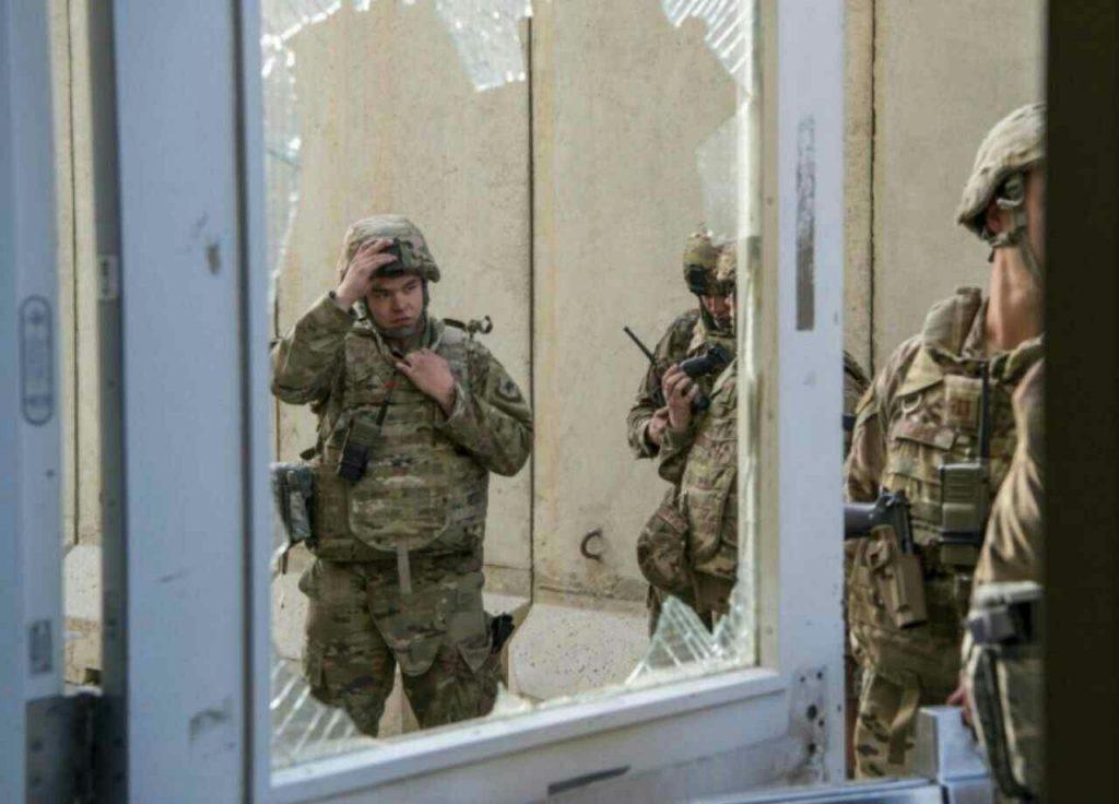 پایگاه بگرام 3 1024x736 - تصاویر/ پایگاه بگرام پس از حمله طالبان