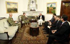 اشرف غنی اسکات میلر 226x145 - گفتگوی رییس جمهور با فرمانده نیروهای خارجی درباره روند صلح