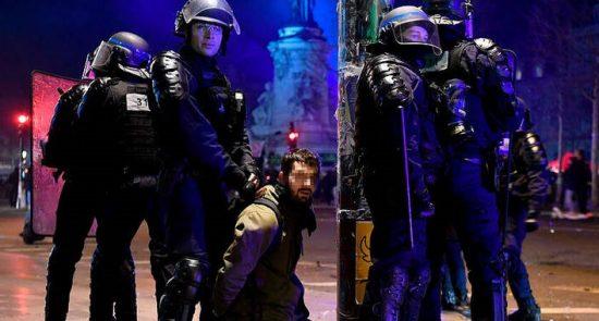 فرانسه تظاهرات 5 550x295 - انتقاد نماینده گان پولند از برخورد مستبدانه پولیس فرانسه با معترضان