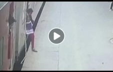 ویدیو قطع زن ایستگاه قطار هند 226x145 - ویدیو/ لحظه قطع شدن پای یک زن در ایستگاه قطار هند