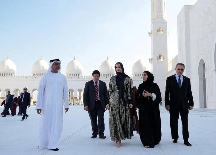 ایوانکا ترمپ 2 - تصاویر/ بازدید ایوانکا ترمپ از مسجد شیخ زاید