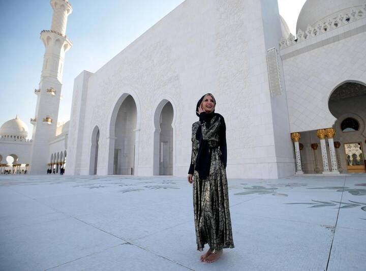 ایوانکا ترمپ 3 - تصاویر/ بازدید ایوانکا ترمپ از مسجد شیخ زاید