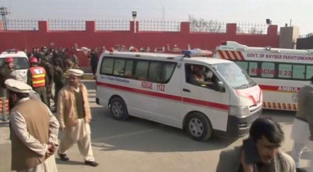 پاکستان امبولانس - وقوع یک انفجار در شهر پشاور پاکستان
