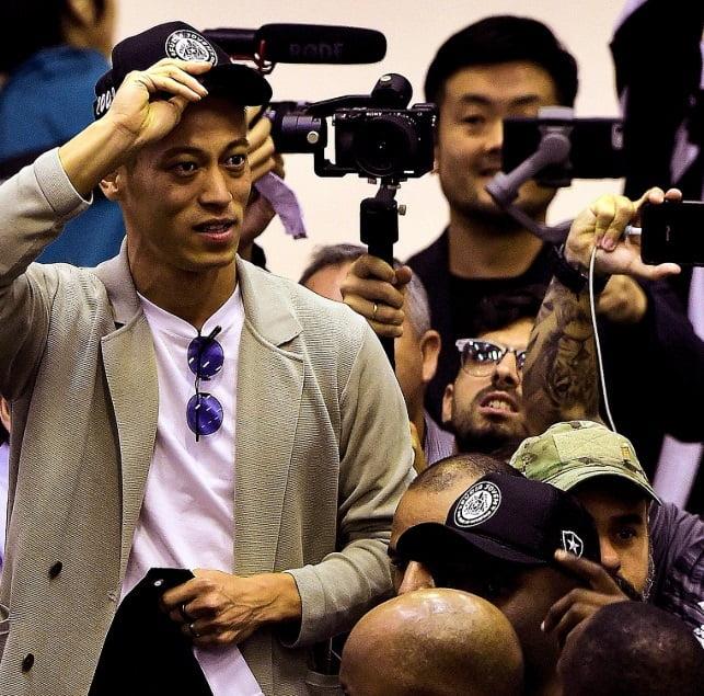 کیسوکه هوندا2 - استقبال گسترده از ستاره جاپانی در برازیل