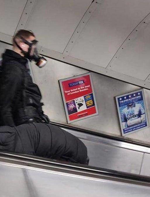 بریتانیا کرونا 2 - تصاویر/ وحشت باشنده گان بریتانیا از شیوع ویروس کرونا