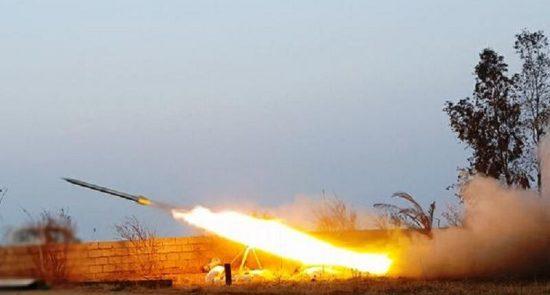 راکت 550x295 - پایگاه نظامیان امریکایی در عراق هدف حمله راکتی قرار گرفت