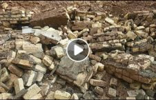 ویدیو لحظه ریز دیوار کارگر هندی 226x145 - ویدیو/ لحظه وحشتناک ریزش یک دیوار بالای کارگران هندی