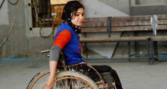 دختر معلول 550x295 - آزار جنسی زنان و دختران دارای معلولیت در افغانستان