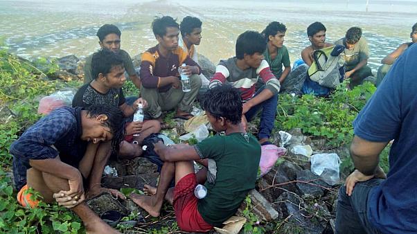 روهنگیا - بازداشت ۲۰۲ مسلمان روهنگیا توسط سرحدبانان ساحلی مالیزیا