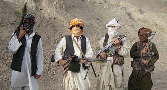 طالبان 550x295 - افزایش حملات طالبان بر مراکز صحی همزمان با شیوع ویروس کرونا