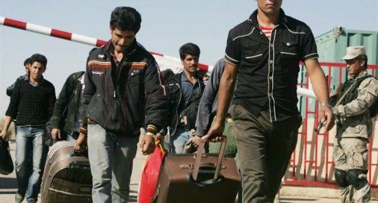 مهاجرین 550x295 - پلان وزارت امور خارجه برای بازگشت مهاجرین افغان از ایران