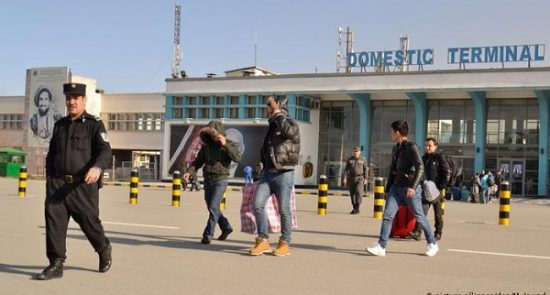 مهاجر 550x295 - اخراج مهاجرین افغان از جرمنی متوقف شد