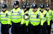 ویدیو روش عجیب بریتانیا قرنطینه 226x145 - ویدیو/ روش عجیب یک باشنده بریتانیایی برای فرار از قرنطینه