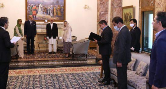 اشرف غنی روبرتو کانتون 550x295 - دیدار رییس جمهور غنی با سفیر ایتالیا مقیم در کابل