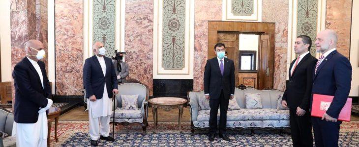 ایرژی بالون اشرف غنی - اعتمادنامه سفیر جدید جمهوری چک تقدیم رییس جمهور غنی گردید