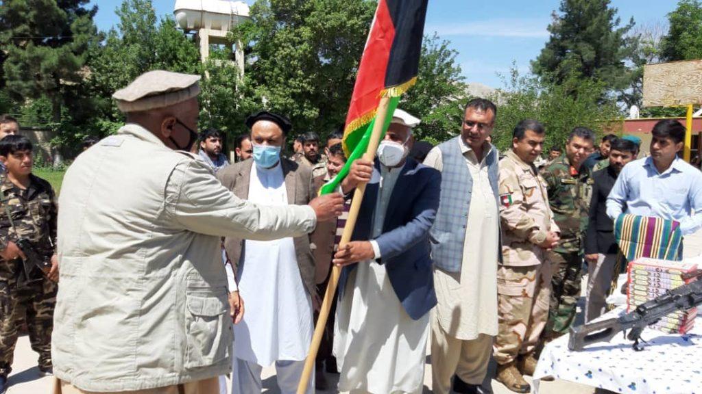 طالبان مسلح بغلان 2 1024x576 - تصاویر/ شماری از طالبان مسلح در بغلان به روند صلح پیوستند
