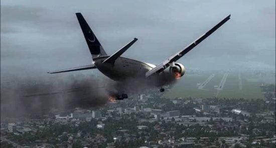 طیاره 550x295 - سقوط یک طیاره مسافربری در پاکستان