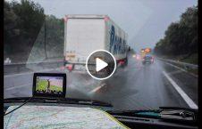 ویدیو سبقت غیر مجاز لاری بارانی 226x145 - ویدیو/ عاقبت سبقت غیر مجاز لاری در هوای بارانی