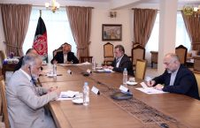 اشرف غنی مایک پومپیو 4 226x145 - تصاویر/ گفتگوی رییس جمهور غنی با وزیر امور خارجه ایالات متحده امریکا