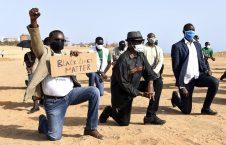 امریکا مظاهره 226x145 - تداوم اعتراضات باشنده گان امریکا به نژادپرستی و خشونت پولیس