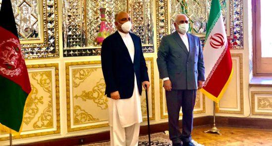 محمد حنیف اتمر محمد جواد ظریف 550x295 - دیدار سرپرست وزارت امور خارجه با همتای ایرانی اش