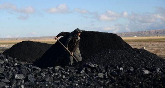 ذغال سنگ 550x295 - افزایش نگرانی ها از قاچاق ذغال سنگ افغانستان به پاکستان