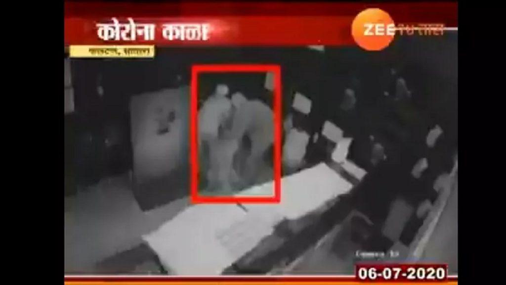 سارقان هندی 1024x576 - ابتکار جدید سارقان هندی برای سرقت از طلافروشی! + عکس