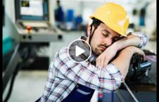 ویدیو خوایبدن کارگر کار 226x145 - ویدیو/ عاقبت خوابیدن کارگر در حین انجام کار