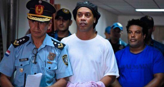 رونالدینیو  550x295 - رونالدینیو پس از ۵ ماه از زندان آزاد شد