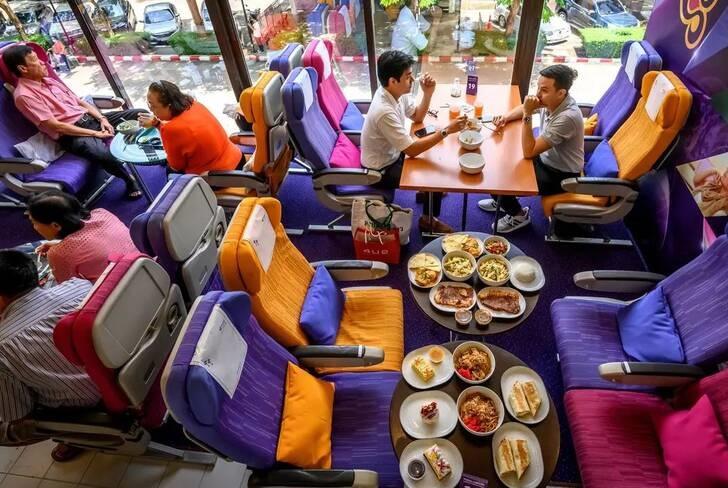 رستورانت تایلند 2 - تصاویر/ افتتاح رستورانتی به سبک طیاره در تایلند