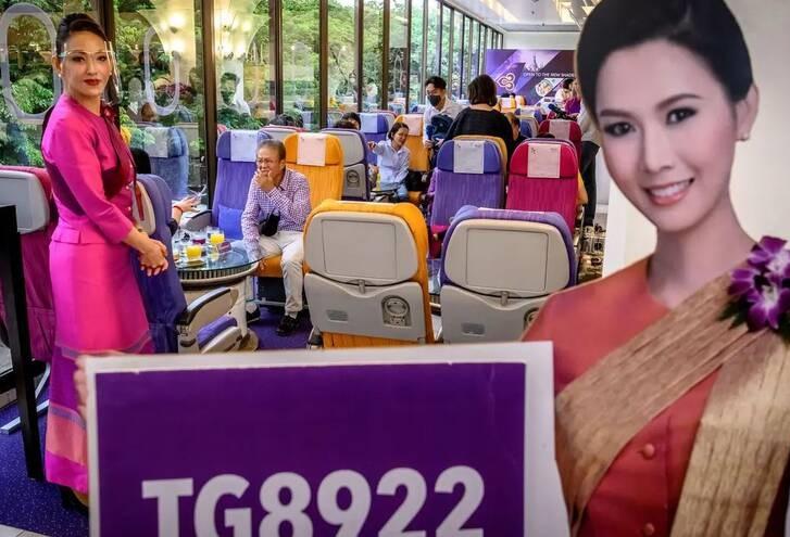رستورانت تایلند 3 - تصاویر/ افتتاح رستورانتی به سبک طیاره در تایلند