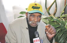 فردی بلوم 2 226x145 - راز عمرطولانی پیرترین مرد جهان چی بود؟
