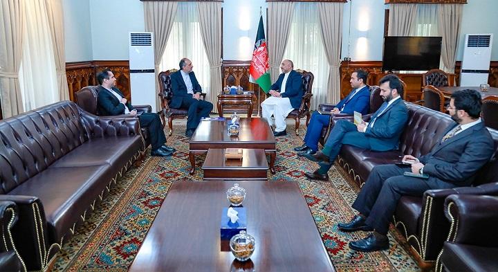 محمد حنیف اتمر بهادر امینیان3 - دیدار سرپرست وزارت امور خارجه با سفیر ایران در کابل