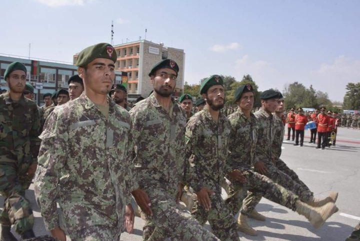 تصاویر/ مراسم فراغت ۱۰۰۰ عسکر از مرکز تعلیمی نظامی کابل
