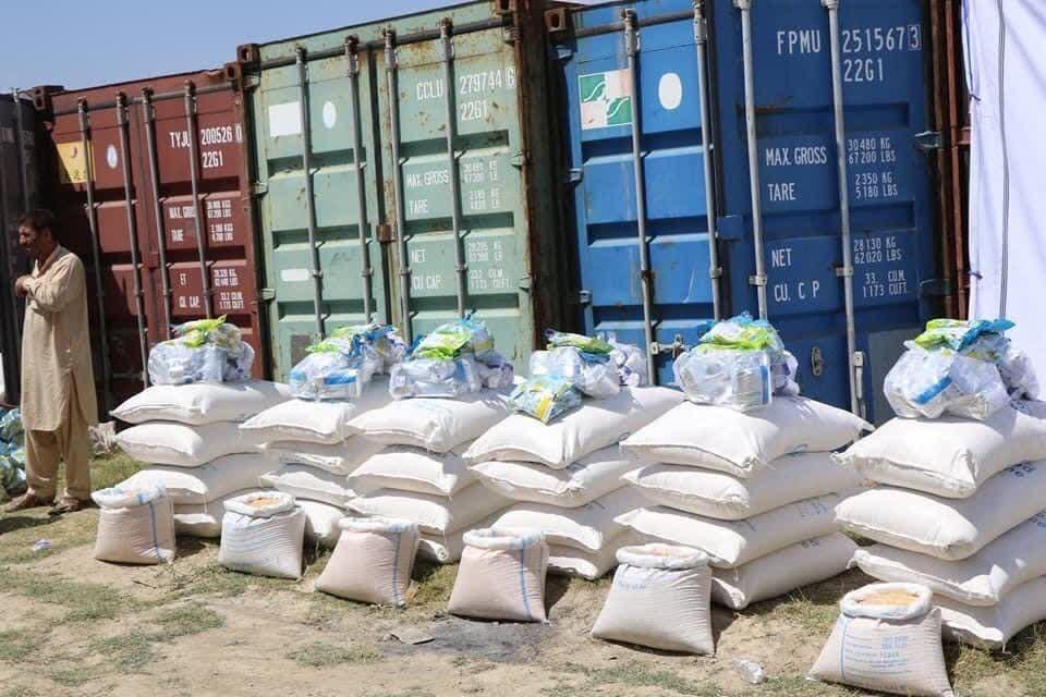 مواد غذایی سیلاب کاپیسا 3 - تصاویر/ توزیع مواد غذایی برای آسیب دیده گان از سیلاب های اخیر در ولایت کاپیسا